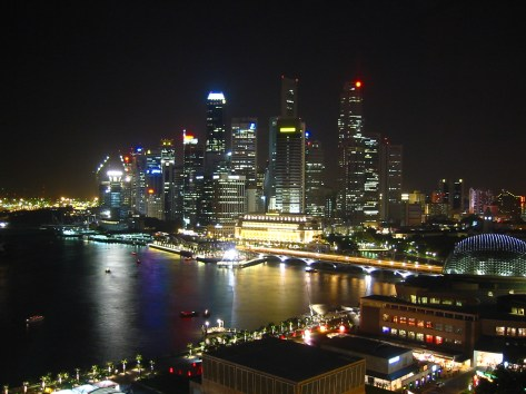 Singapur_Skyline_at_Night