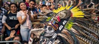 Brenda Islas @brendaislas Desfile del Día de Muertos en la Ciudad de México