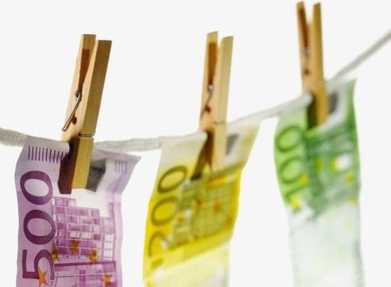 bani cinstiti din blogging
