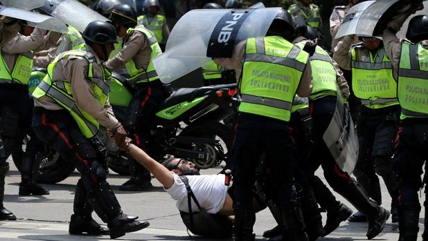 """Patrón represivo contra manifestaciones pacíficas se basa en la lógica del """"enemigo interno"""""""