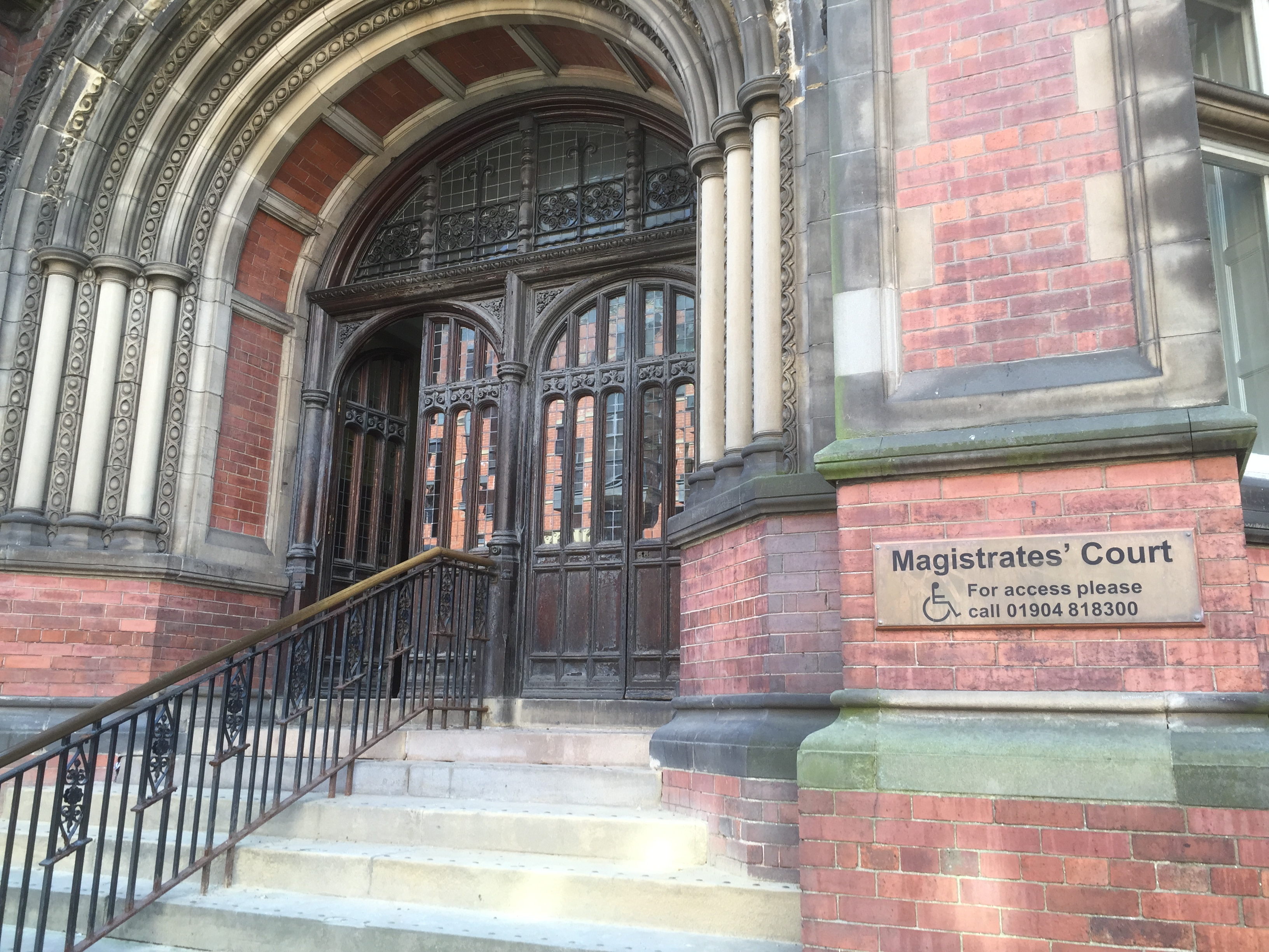 crown court observation Other court personal in attendance were:  representing the crown,  3 court observation report the oral report met many of the criteria outlined in kennedy,.