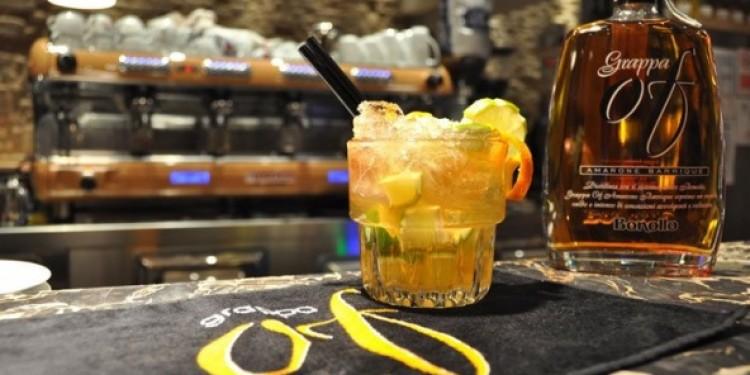 Due cocktail Bonollo a base di Grappa Of Amarone Barrique e Amaro Of  Civilt del bere