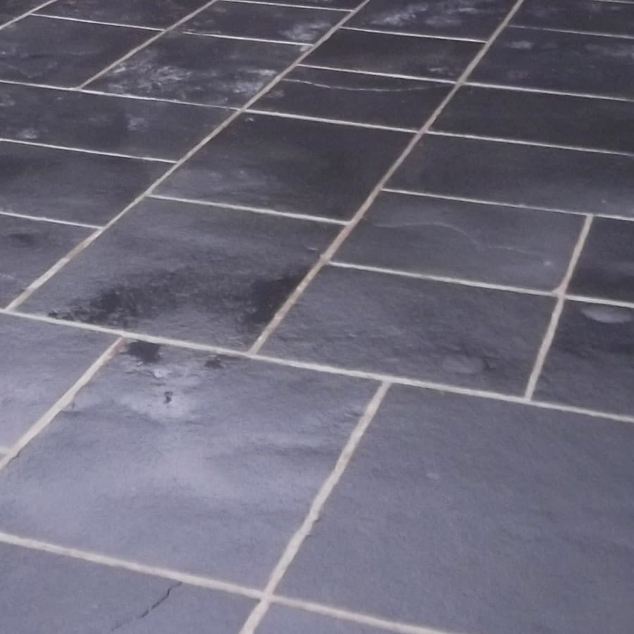 Natural linestone paving