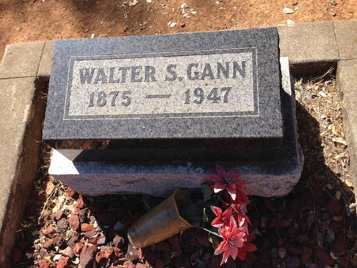 Headstone Walter S. Gann