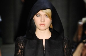 Beleza criada por Celso Kamura para o desfile de inverno 2011 do estilista Alexandre Herchcovitch