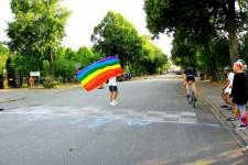 Dragrace regnbågsflagga