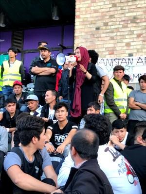 Ung i Sverige protesterar på Medborgarplatsen, Stockholm
