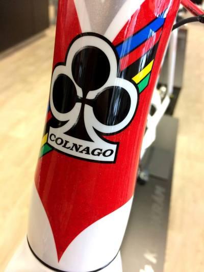 ... M10 monocoque rám představuje spolu s C60 vrchol v nabídce silničních rámů společnosti Colnago ...