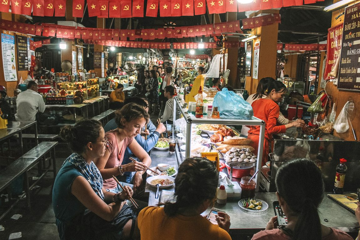 The best street food to try in Hoi An, Vietnam blog post | central market