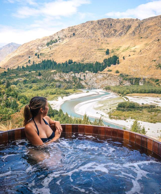 This image has an empty alt attribute; its file name is chc-to-queenstown-48.jpg