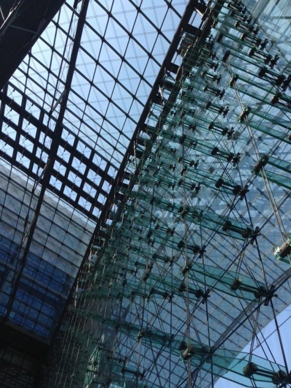 berlin buildings - hauptbahnhof