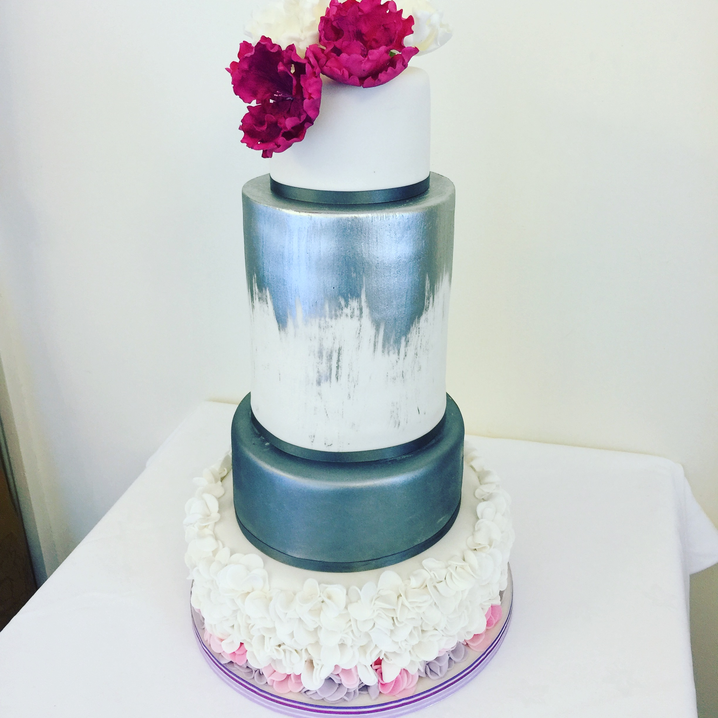 edible metallic painted wedding cake