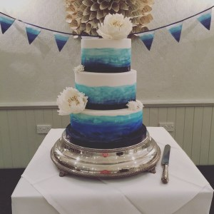 sea blue wedding cake