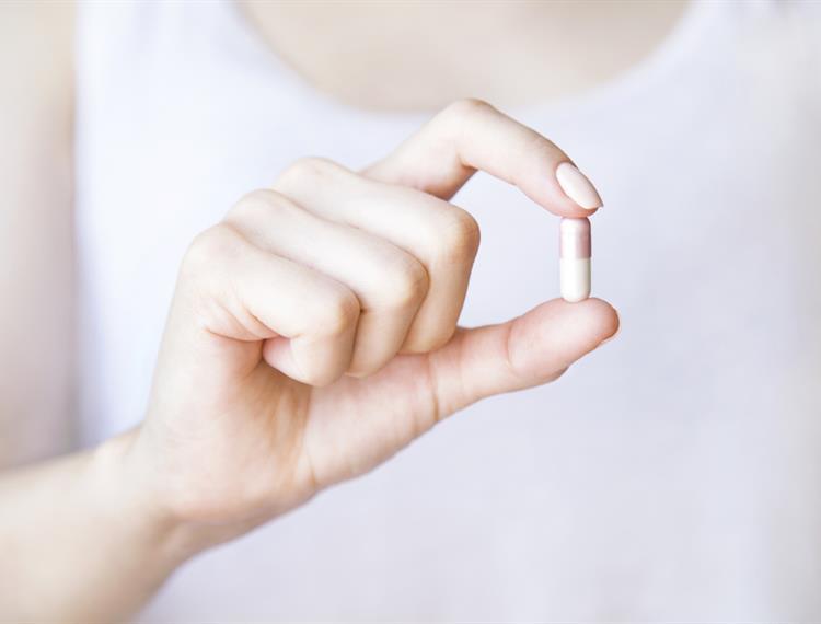15 حقيقة يجب عليك أن تدركيها عن حبوب منع الحمل كلاليت