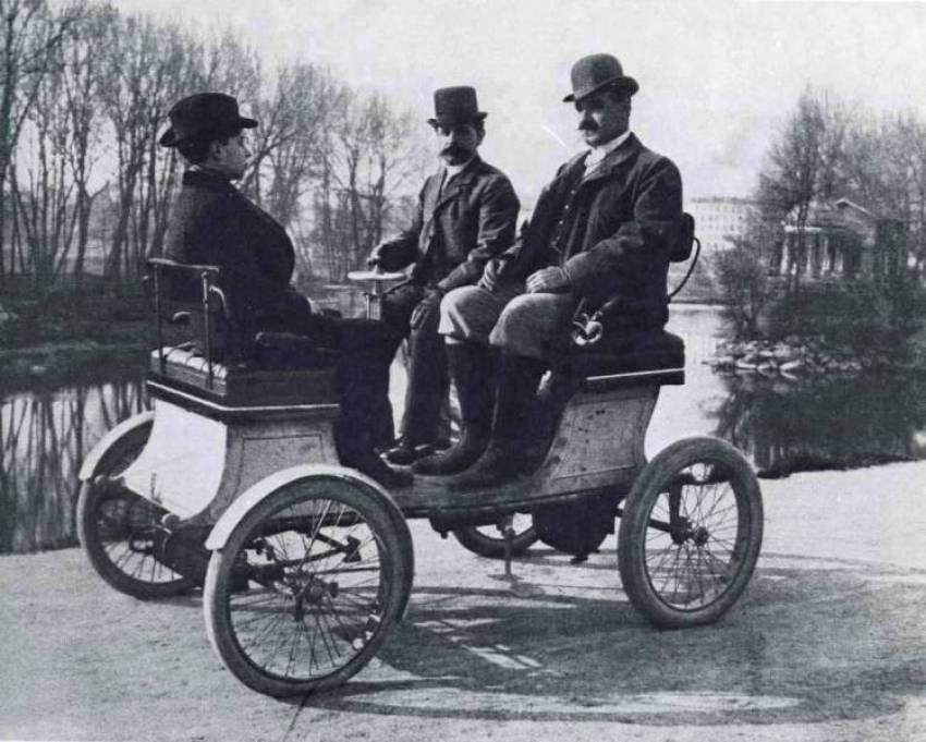 08. Veículo de 1900.