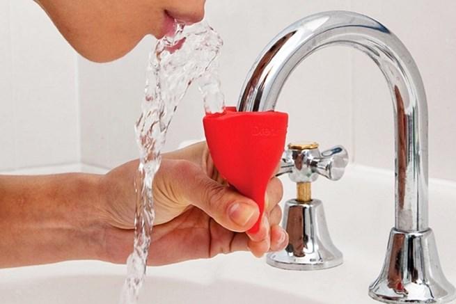 4. Este dispositivo que permite que você beba água da torneira