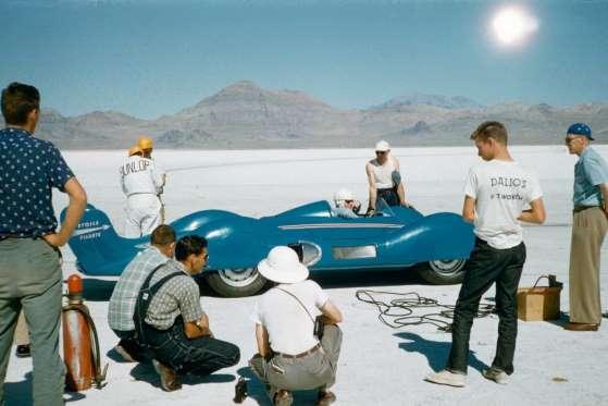 Em 5 de setembro de 1956, o famosos Etoile Filante, da Renault, quebrou o recorde de 308,9 km/h ao longo de um km. Até hoje é o recorde de velocidade para um veículo movido a gasolina