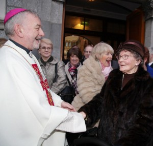 8.2.15 CEREMONIAL INSTALLATION OF MOST REV KIERAN O' REILLY SMA AS ARCHBISHOP OF CASHEL AND EMLY IN THE CATHEDRAL OF THE ASSUMPTION THURLES ON SUNDAY. Pic shows Archbishop Kieran O' Reilly SMA greeting Maura Hogan (92) from Tipperary after the cermony. Pic John Mc Elroy. NO REPRO FEE.