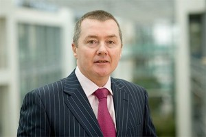 IAG CEO, Willie Walsh has put a five-year Heathrow slots promise on the table