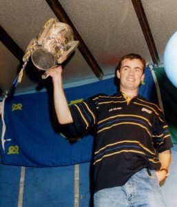 Anthony Daly hoists the Liam MacCarthy Cup.
