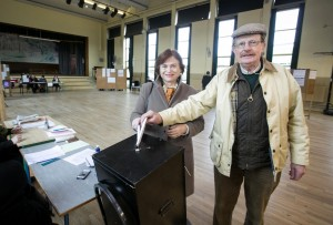 Phyll and Declan O'Regan, Shanaway Road, Ennis, casting their votes at The Holy Family National School. Photograph by Arthur Ellis.