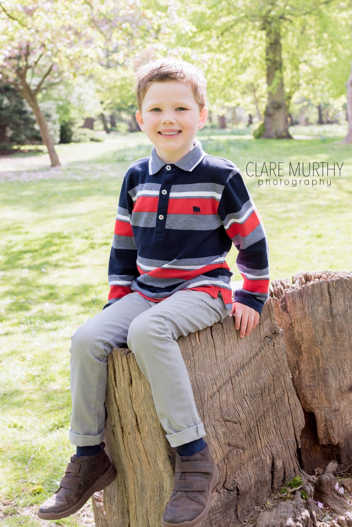 Family photo shoot with grandparents in Surrey | Clare Murthy Photography