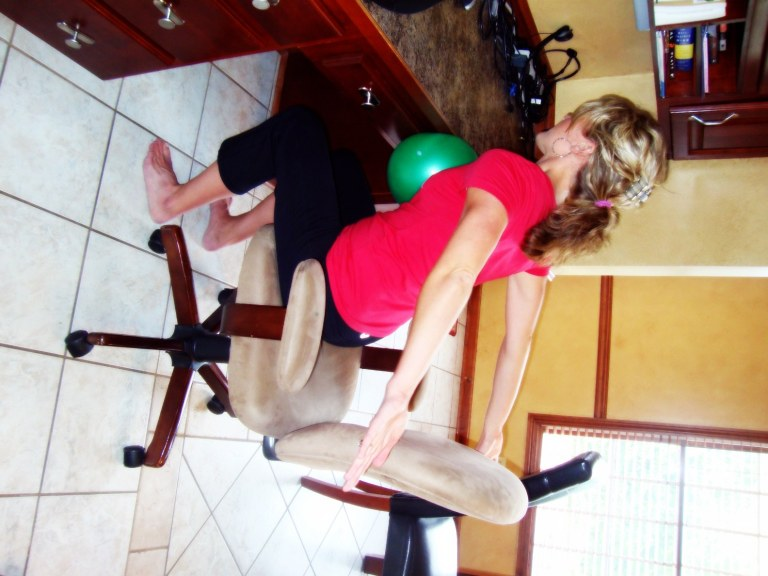 "The ""Deskie"" Workout {seated}"