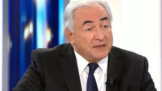 EN PROBLEMAS. Dominique Strauss-Kahn, de 62 años, fue detenido cuando emprendía su regreso a París. (AFP)