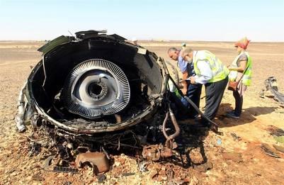 Restos del avión caído en el Sinaí./ EFE