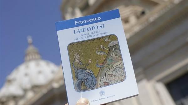 """La esperada encíclica del Papa Francisco sobre el medio ambiente titulada """"Laudato Si"""". REUTER"""