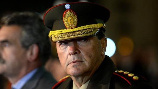 https://i0.wp.com/www.clarin.com/politica/Cesar-Milani-jefe-Ejercito_CLAIMA20141228_0018_27.jpg