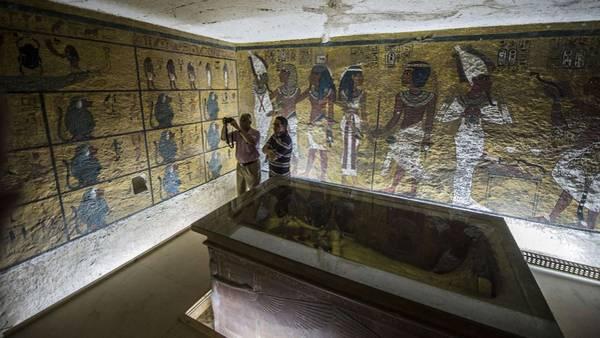 Nefertiti. En Luxor está la tumba de Tutankamón. Detrás de un muro habría una cámara secreta. (AFP)