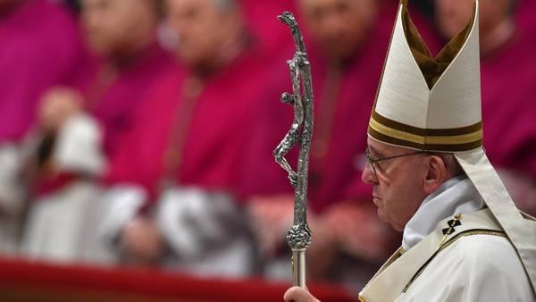 El Papa Francisco encabeza la misa de Gallo 2015 desde Roma (AFP)
