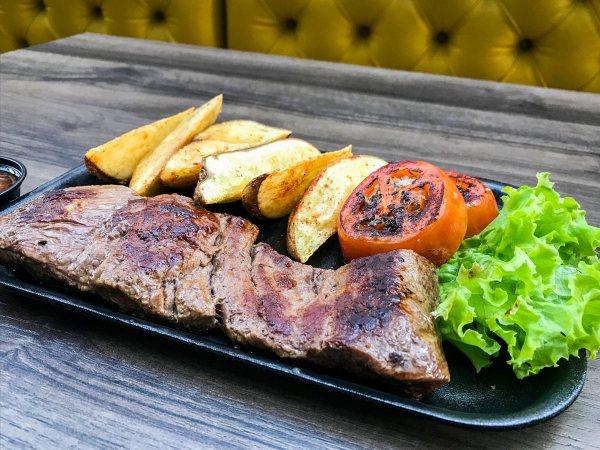 Clarion Hotel Bogota Plaza Macuira Baby Beef