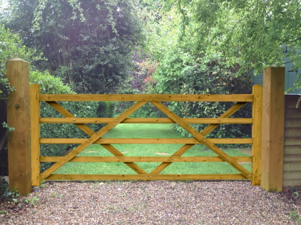 Timber Field Entrance Gate 10ft