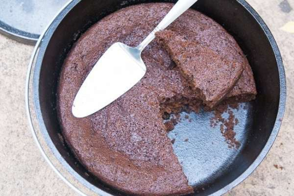 dutch-oven-chocolate-cake (17 of 18)