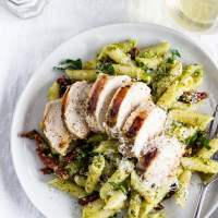 Creamy Pesto Pasta with Chicken & Sun-Dried Tomatoes