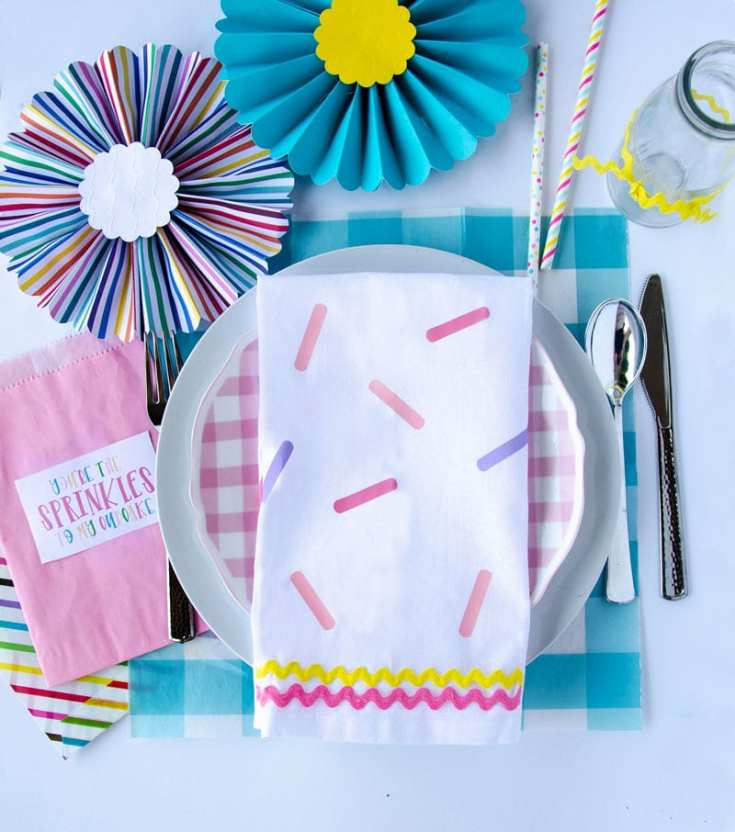 How to Make DIY Sprinkle Napkins with Lindi Haws of Love The Day