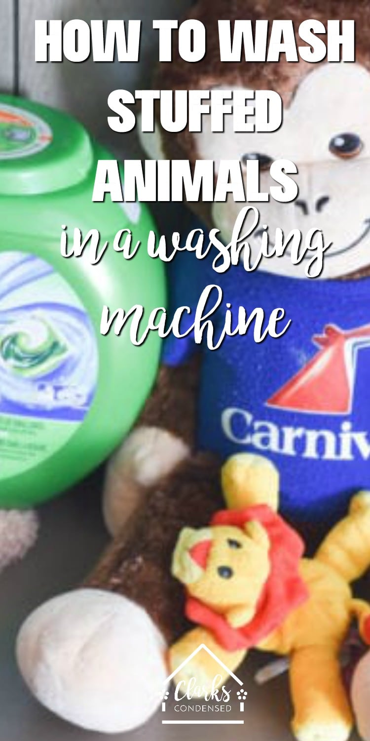 How to clean stuffed animals / cleaning hacks / cleaning tips / spring cleaning via @clarkscondensed