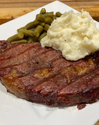 steak with potato and green beans