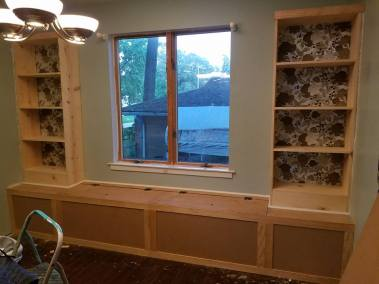 residential-bench-seating-built-in-fabrication-wood-paint-upholstery
