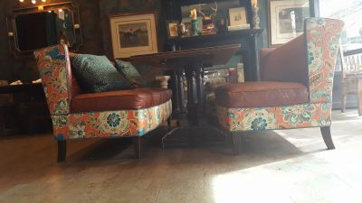 toast-booth-bench-seat-upholstery-repair-restoration-004