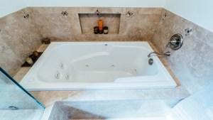 50-Master Bathtub