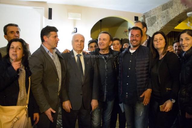 Dodi Battaglia con il sindaco Vittorio Folco (a sinistra)