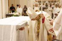 consacrazione-altare-cattedrale-11