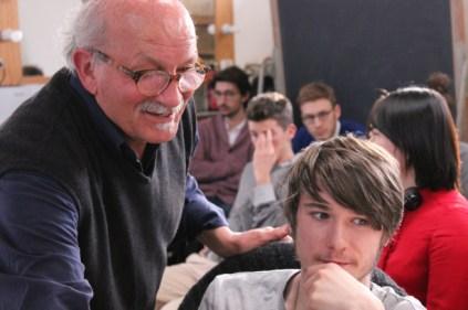 Raffaele Luponio al lavoro con studenti universitari