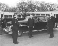 Después del ataque a Pearl Harbor, el presidente Franklin D. Roosevelt usó un Cadillac Town Sedan blindado de 1928, que según una leyenda fue originalmente propiedad del gángster Al Capone.