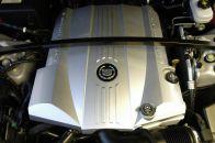El SRX está impulsado por dos nuevos motores: un motor completamente nuevo de 3,6 litros V6 VVT (Variable Valve Timing, distribución variable) y el motor de nueva generación de 4,6 litros Northstar V8 VVT.