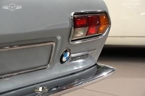 Detalle del BMW de Frua con unos pilotos traseros que parecen los del Lamborghini Espada.