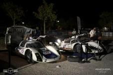 Dos Porsches 906 en el parque de asistencia de Pont du Gard.